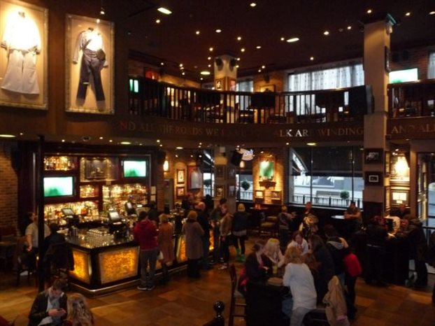 Hard Rock Cafe Returns To Athens Bestofathens Gr